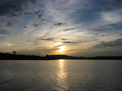 Sunset_on_the_Victoria_lake